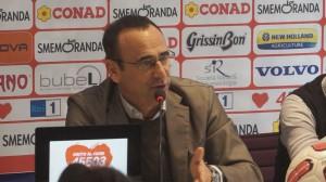 Eventi a Firenze: Carlo Conti alla Conferenza stampa per la Partita del Cuore 2014 a Firenze il 19 Maggio
