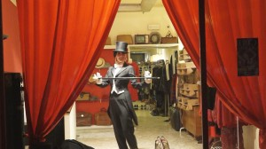 Burlesque in vetrina show Rita Lynch