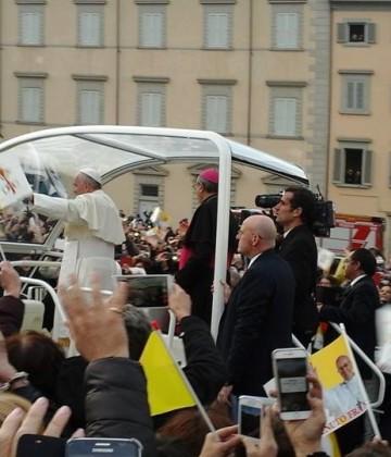 Papa a Firenze, segui la diretta LIVE